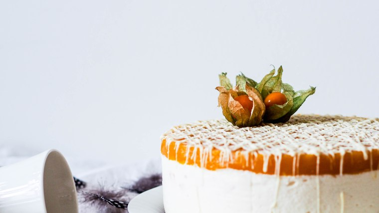 mangowhitechocolatecake-3225625