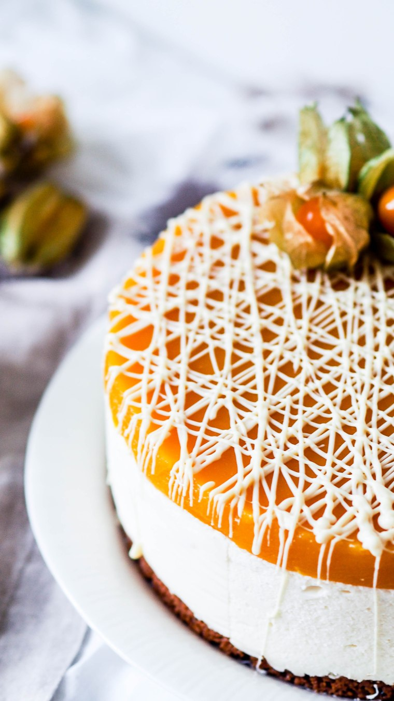 mangowhitechocolatecake-3225718